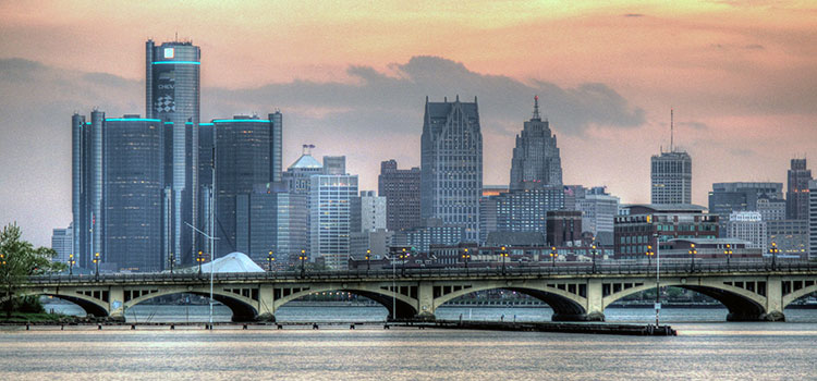 Detroit City's skyline during a pink-skied sunset.